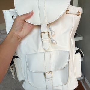 FOREVER 21 WHITE LEATHER BACKPACK